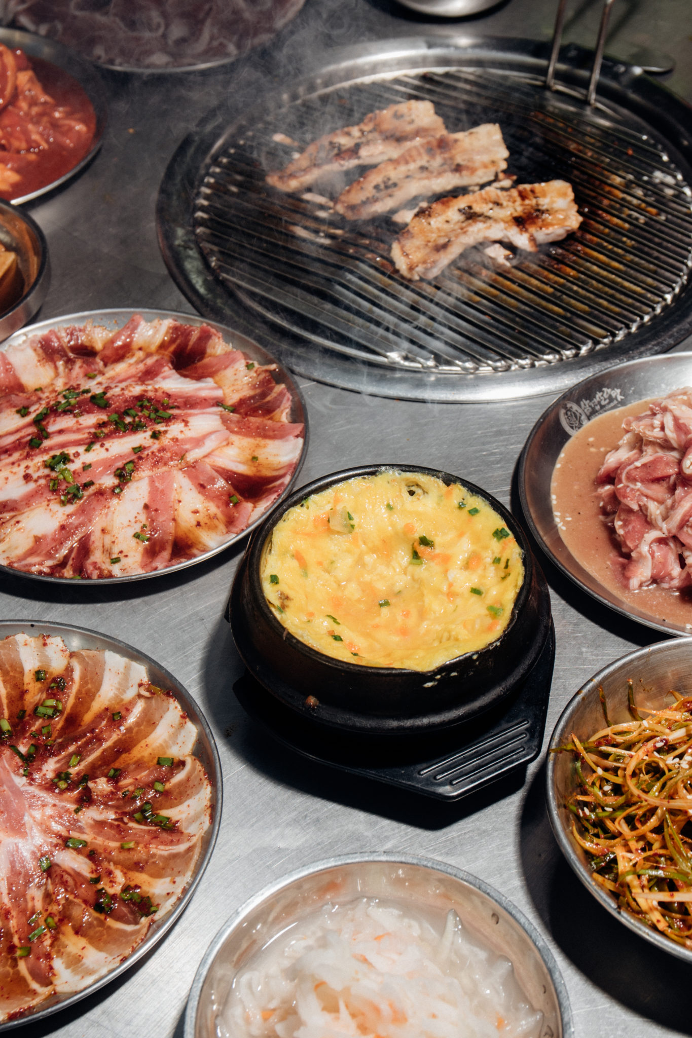 One of the pioneers of unlimited Korean barbecue, Samgyupsalamat has 20 company-owned branches around the metro