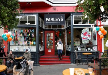 Guests enjoy live music and coffee outside as Farley's Cafe marks its 32nd anniversary