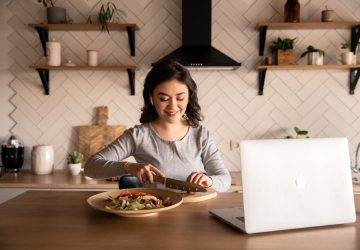 Now the question is: Can aspiring food entrepreneurs still dream? Let these online culinary courses help you
